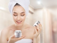 What ingredients are contained in a moisturising cream?