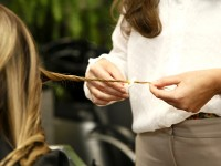Velaterapia. What Are the Effects of the Candle-Cutting Hair Treatment?